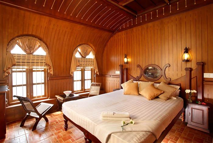 Bed Room-Deluxe Houseboat