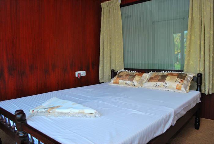 Bed Room Standard Houseboat