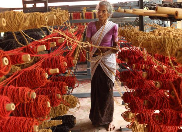 coir-carpet-weaving-vaikom-kerala