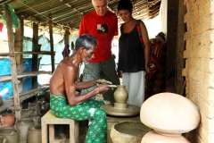 clay-pot-making-vaikom-kerala