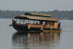 motor-boat-vaikom-backwaters-kerala