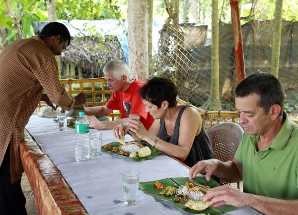 traditional-kerala-lunch-vaikom-kerala