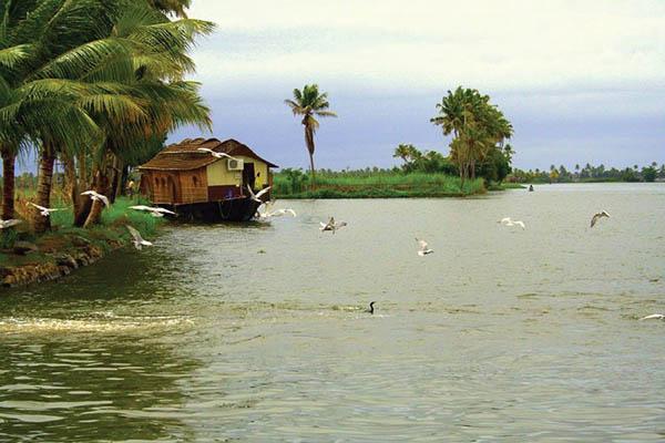 vaikom-house-boat