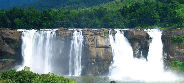 athirappilly-waterfalls-indoworldtour