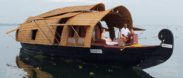 eco-friendly-houseboat-vaikom